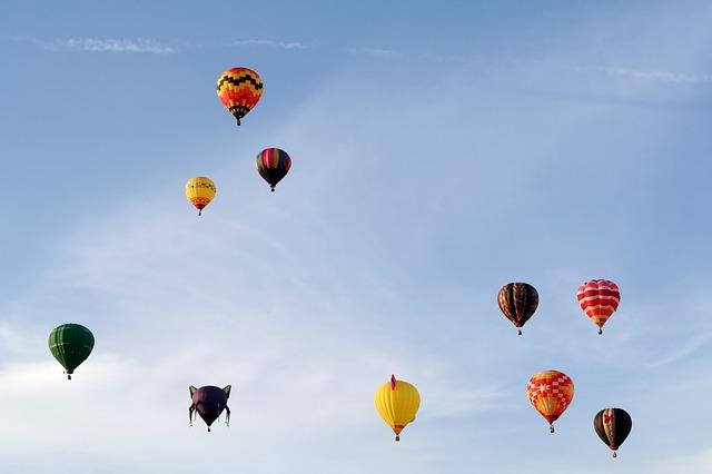 balloons-902658_640